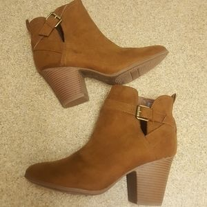 NWT Time and Tru Boots